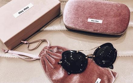 a4727ab85bb6c Trend Alert  Os novos e glamurosos óculos de sol Miu Miu